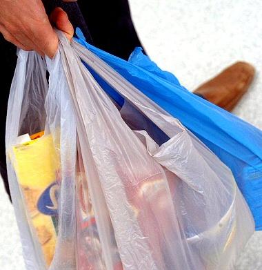 Multe salate per la sportina della spesa non biodegradabile !