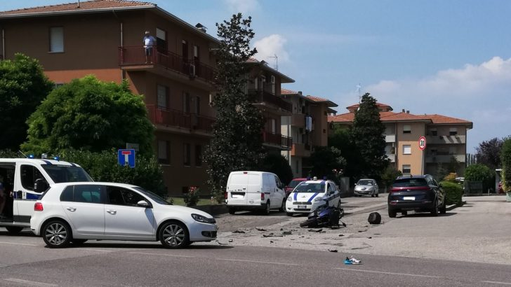 CENTO (FE) SU VIA  STATALE  A CORPORENO DI CENTO COLLISIONE TRA AUTO E MOTO INTERVIENE L'ELIAMBULANZA !